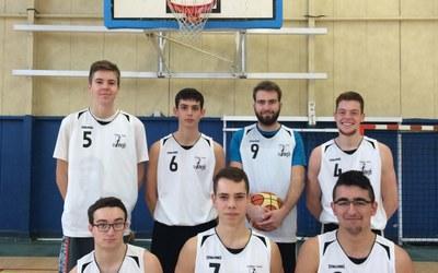 lycee-une-equipe-de-basket-au-niveau-regional