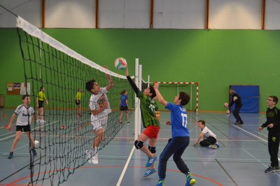 college-st-paul-premiers-matchs-pour-les-eleves-de-l2019option-volley-ball