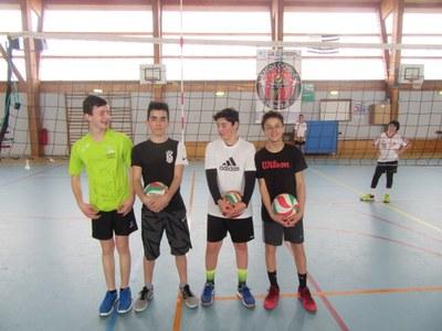 college-st-paul-une-belle-equipe-de-4eme-aux-finales-regionales-de-volley
